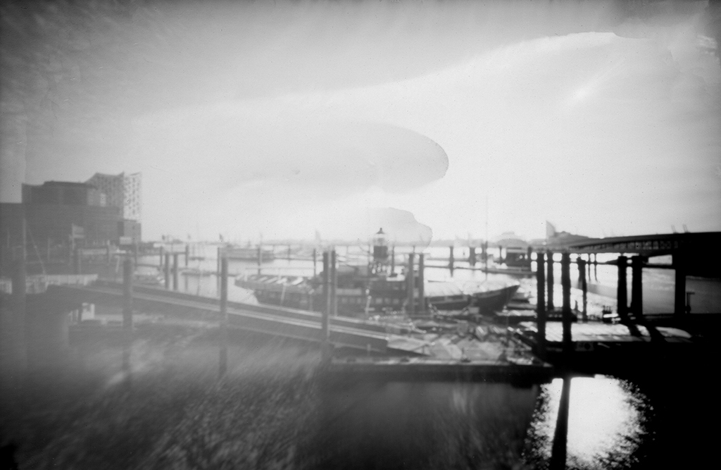 Das Feuerschiff LV-13 Hamburg fotografiert mit einer Camera Obscura