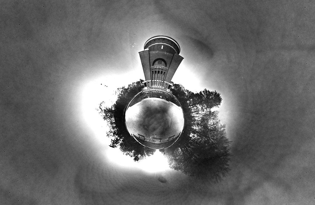 Das Planetarium Hamburg fotografiert mit einer 360 Grad Lochkamera und zu eienr Kugel zusammengesetzt