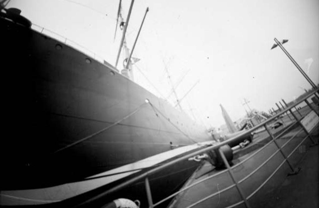 Museumsschiff Rickmer Rickmers fotografiert mit einer Keksdosenkamera