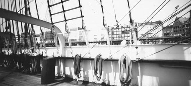 Museumsschiff Rickmer Rickmers fotografiert mit einer Camera Obscura