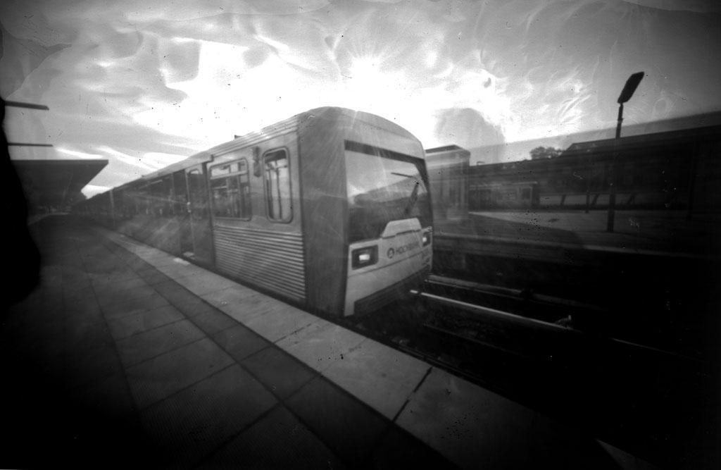Die Hamburger U-Bahn-DT3 fotografiert mit einer Lochkamera