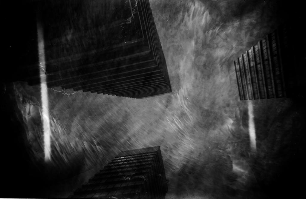 Die Mundsburgtürme von unten fotografiert mit einer Camera Obscura