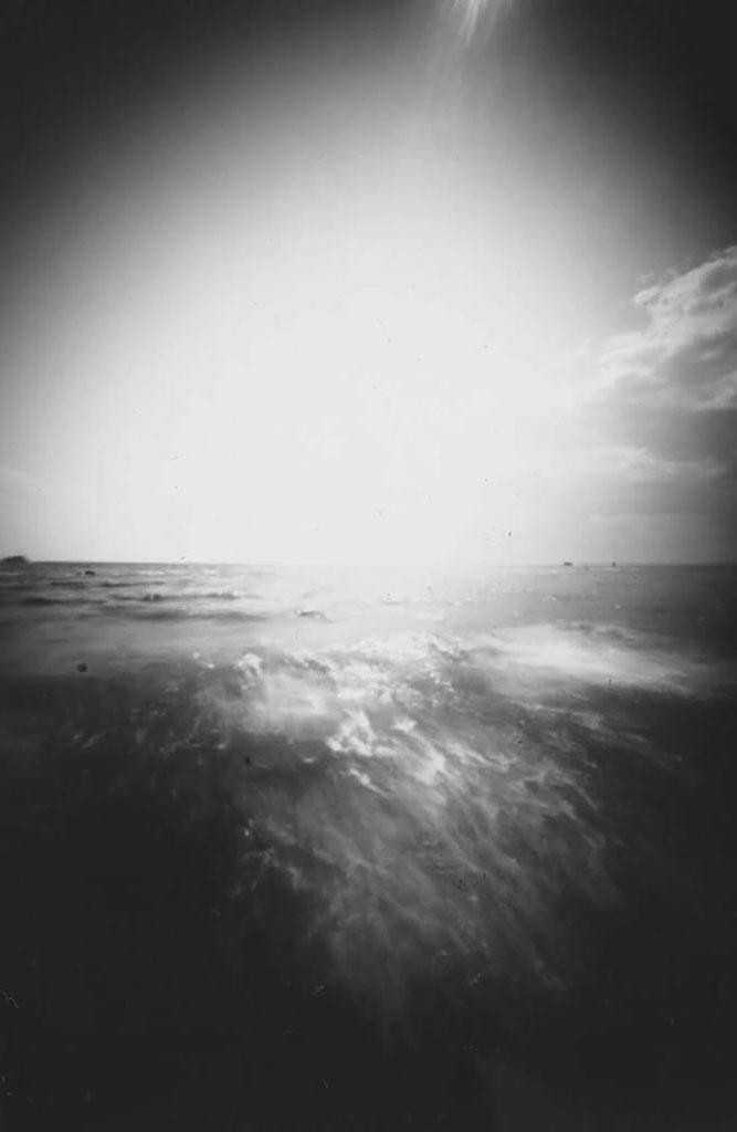 Ostseewellen fotografiert mit einer selbstgebauten Lochkamera