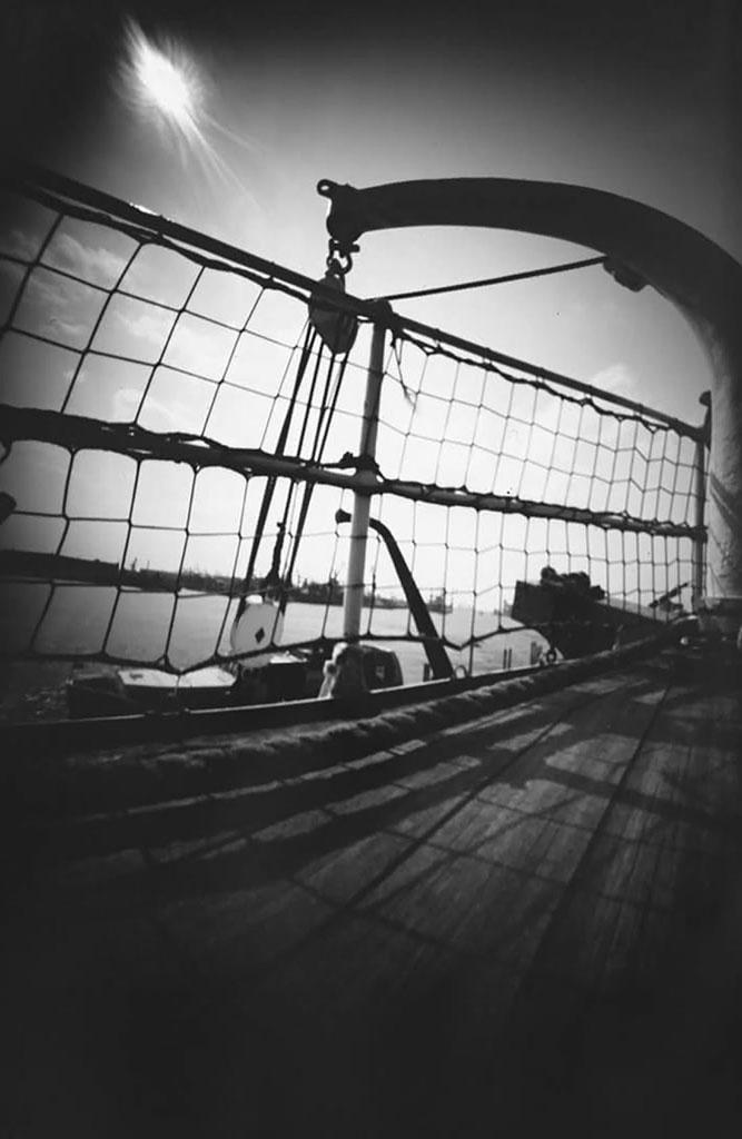 Museumsschiff Rickmer Rickmers fotografiert mit einer Lochkamera