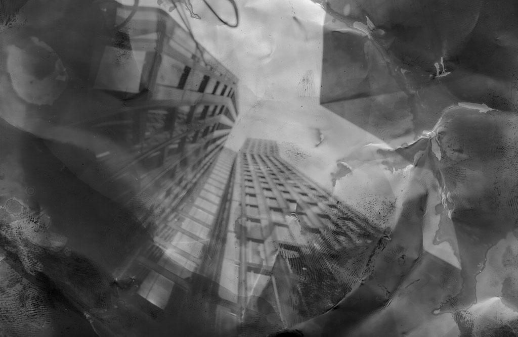 die Tanzenden Türme liegend fotografiert Lochkamera