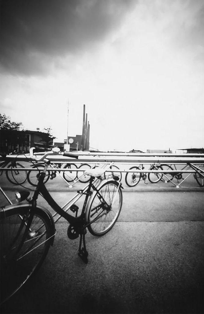 Willy-Brandt-Platz in Wolfsburg fotografiert mit einer Blechdosenkamera