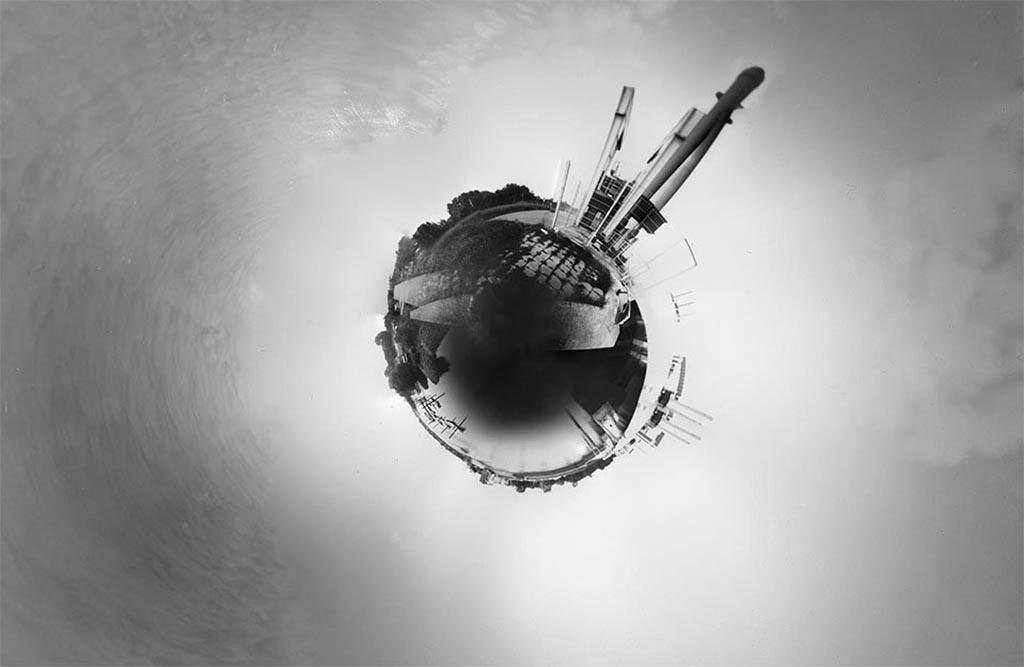 Schleuse Kaltehofe Haupdeich fotografiert mit einer 360 Grad Camera Obscura und zu einer Kugel zusammengestellt