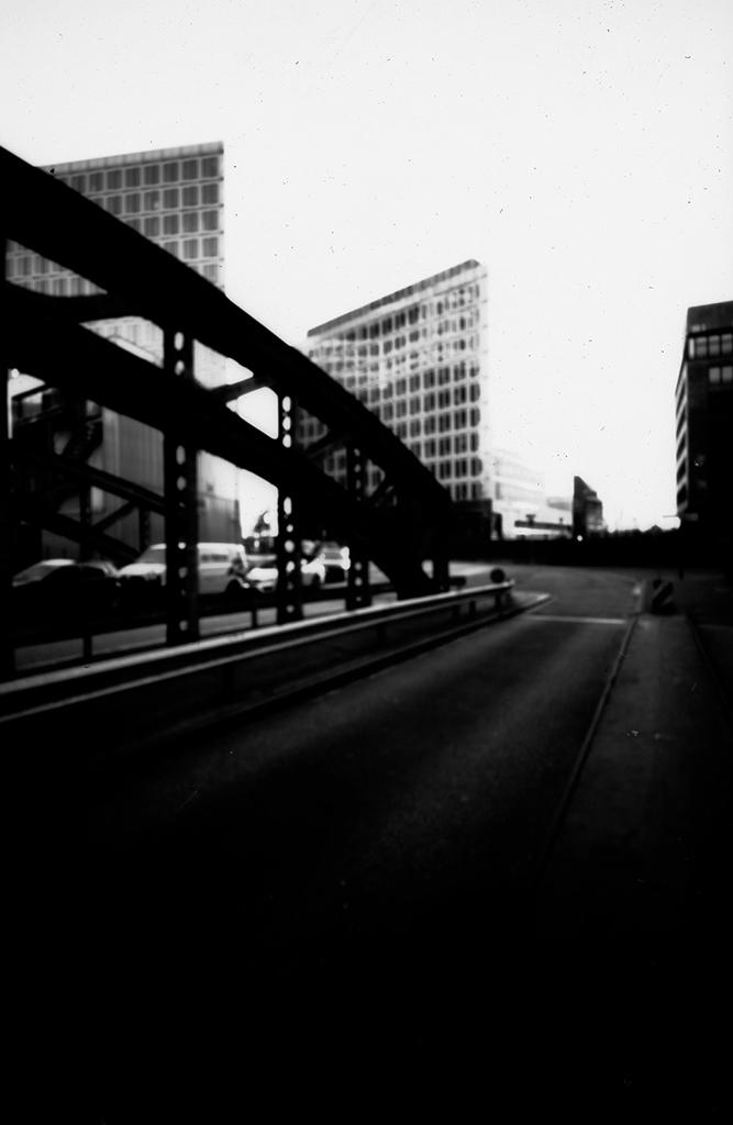 Poggenmühlen-Brücke in Hamburg fotografiert mit einer Lochkamera